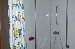 berollbare Dusche